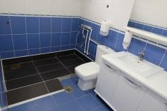 toalet-siroki-toalet-doma-za-stare1